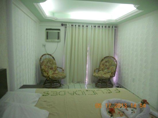 Lagoa Mar Hotel: cadeiras no quarto
