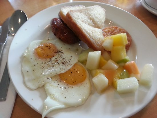 Cheadle House: Lovely hot breakfast buffet selections