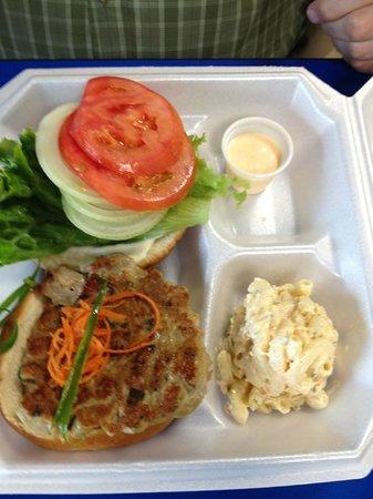 Dean's Drive-Inn: fish burger