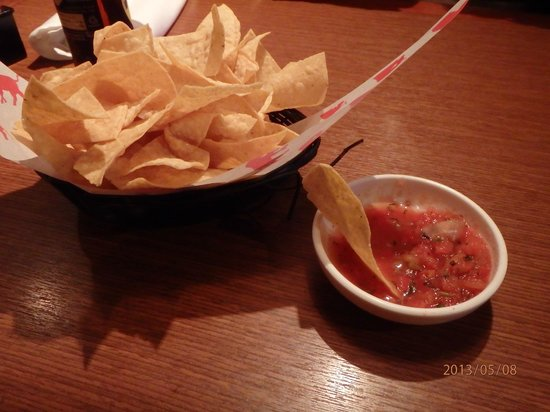 El Torito: chips and salsa