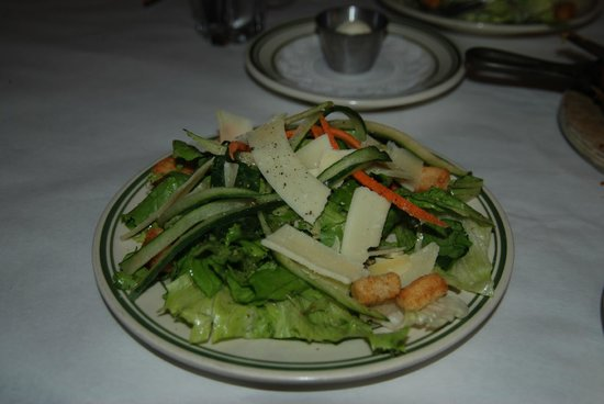 District Chophouse & Brewery : Fresh salad
