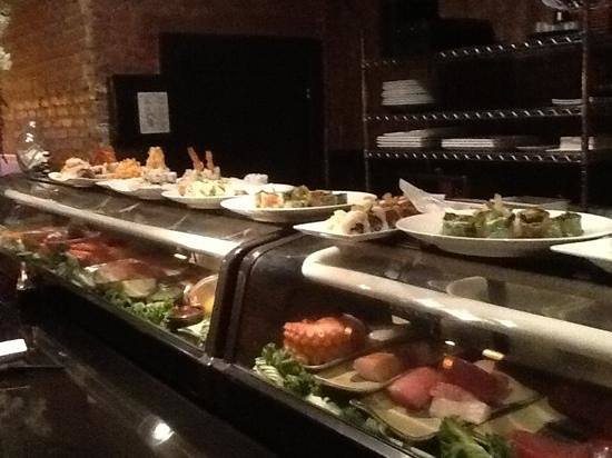 Ronin Sushi and Bar : these guys kickout some food