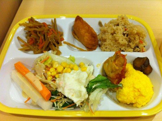 Super Hotel Tokyo Otsuka: 朝食はワンプレート