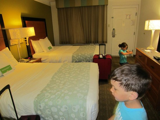 La Quinta Inn Orlando Airport West : Two queen beds room