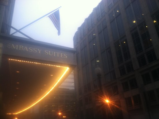 Embassy Suites by Hilton Washington-Convention Center: Entrance