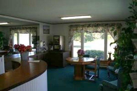 Starlite Budget Inns : Hotel Lobby