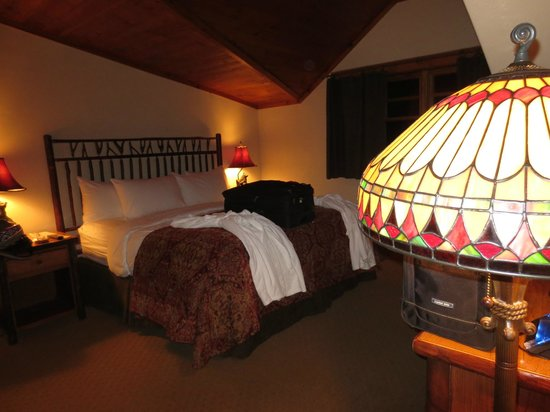 The Whiteface Lodge: I could live in this room!