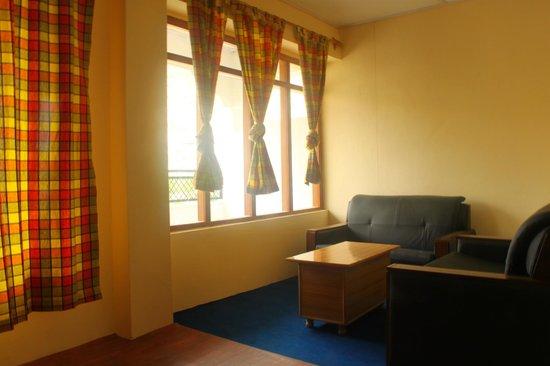 Snow Lion Hotel: Room interior