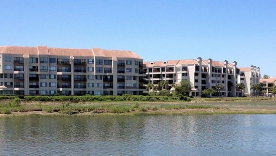 Marriott's Harbour Point and Sunset Pointe at Shelter Cove: Marriotts Harbor Cove view from Disney's Hilton Head resord across the harbor