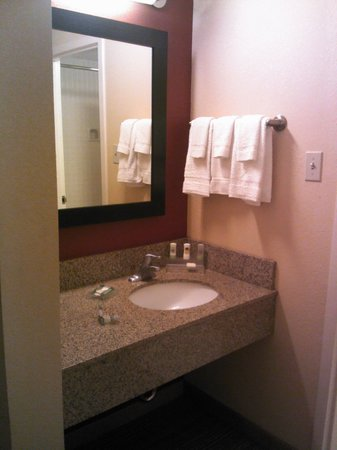 Country Inn & Suites By Carlson, Dallas-Love Field (Medical Center) : Sink