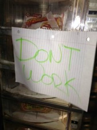 Red Roof Inn U0026 Suites Corpus Christi: Do Not Work Sign On Vending Machine