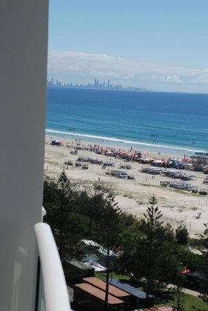 Kirra Surf Apartments: View to Gold Coast