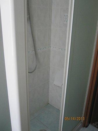 Chez Liviana Bed & Breakfast : Bathroom