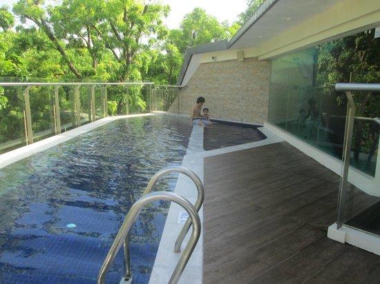 Hotelboss.sg: Affordable Hotel Near Lavender and Bugis MRT