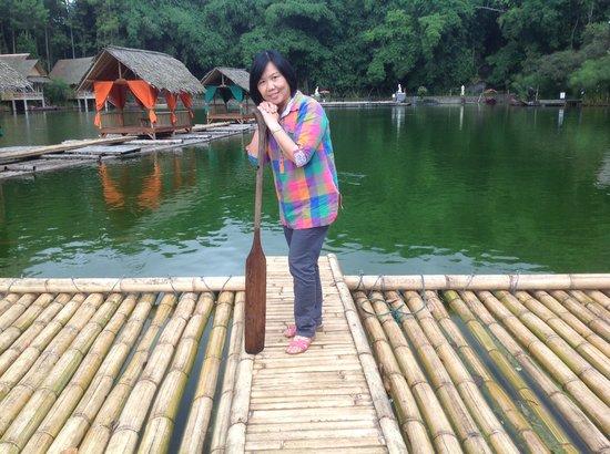 Kampung Sampireun Resort & Spa: suasana danau sampireun