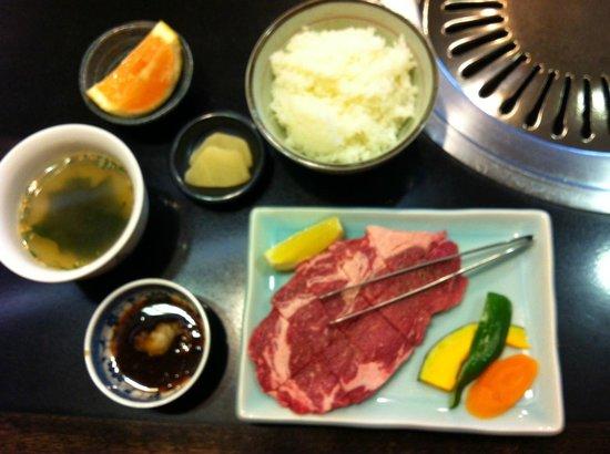 Nikunoyamamoto: Niku no Yamamoto Grilled Steak Set (salad and drink, too)
