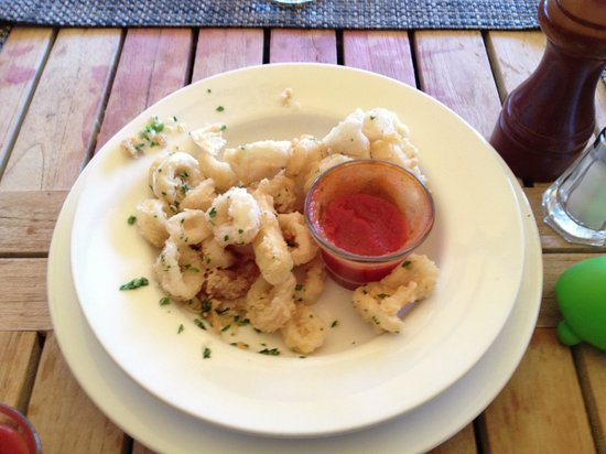Little Red: Fried calamari & zucchini with spicy tomato dip