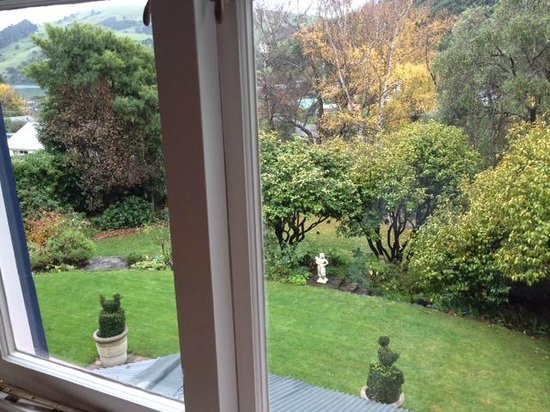 Beaufort House Akaroa : View from the Nalder Room