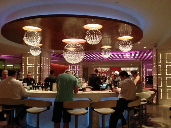 The Condado Plaza Hilton: Lobby bar