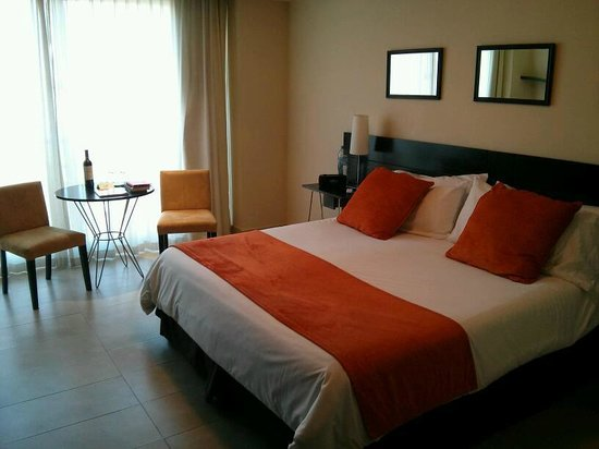 Palermo Place by P Hotels: Room (king size bed view)