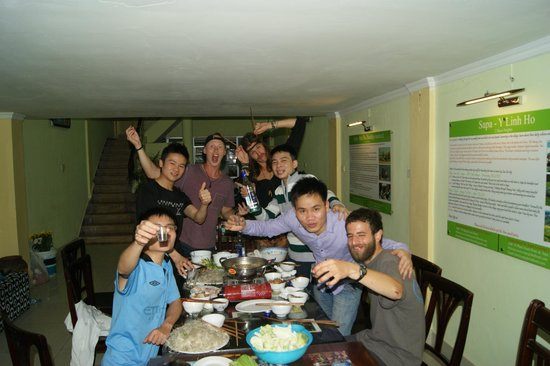 Hanoi Nonprofit Hostel: Enjoy the dinner with our team