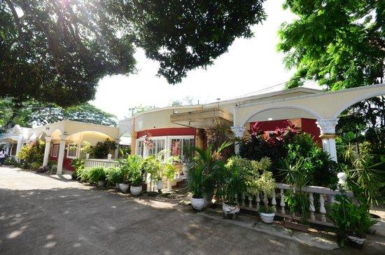 D' Lucky Garden Inn & Apartelles Palawan