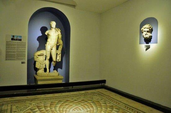Izmir Bergama Museum : Displays