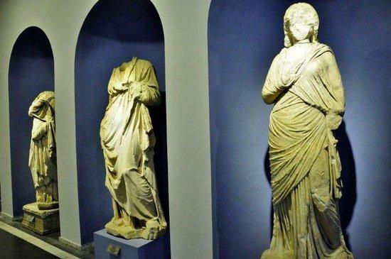 Izmir Bergama Museum : Statues