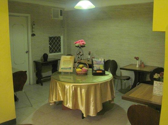 Saint Illians Inn : Dining Area where you can access the free WIFI