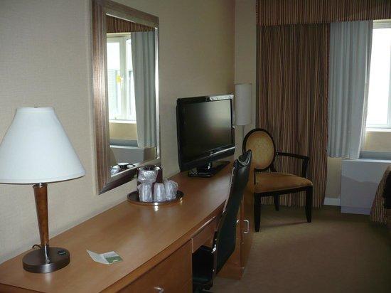 Skyline Hotel: Zimmer