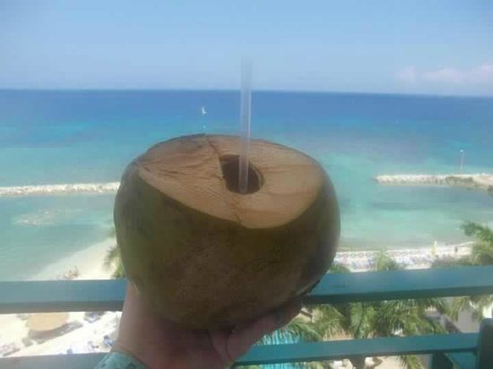 Sunscape Splash Montego Bay: Pay $3 and they slice the coconut open & then go fill it w/rum