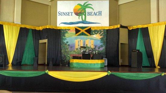 Sunscape Splash Montego Bay: Live entertainment everyday