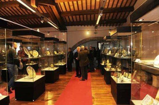 Castelli, Taliansko: Un'altra veduta del museo delle ceramiche.