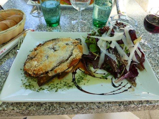 Cucina Vera : Gratin d'aubergines et salades