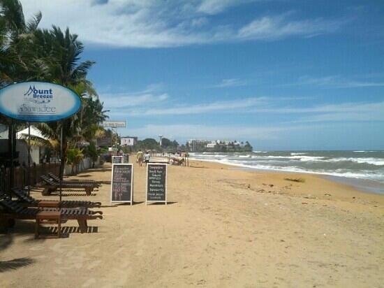 Hotel Mount Breeze and Restaurant: beachfront