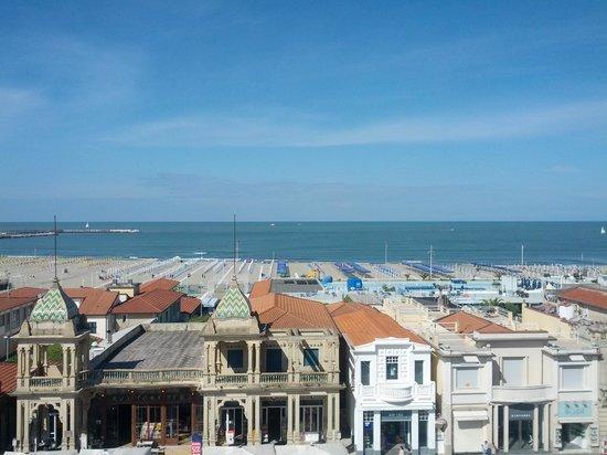Plaza e De Russie Hotel: Vista dal ristorante durante la colazione