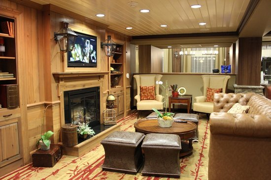 Hampton Inn & Suites Tifton: Lobby