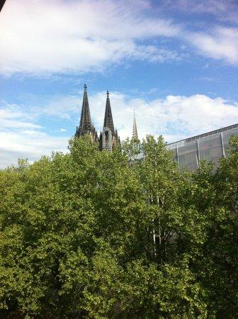 Hotel An der Philharmonie : Close The Dome