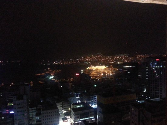 Hotel Commodore Busan: ベランダからの夜景
