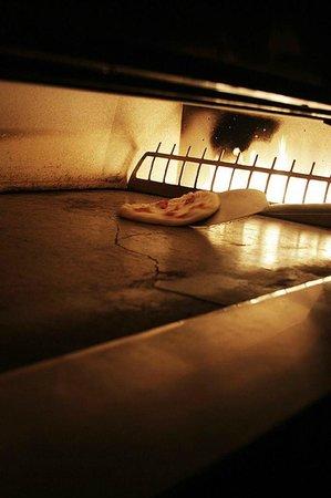 Bene pizza: Oven