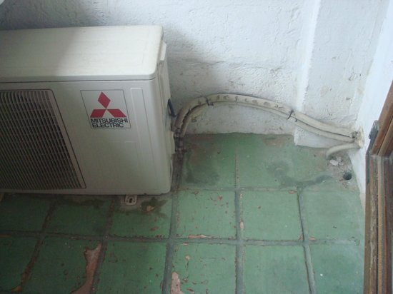 Hotel le Corbusier : Klimagerät auf der Terrasse von le Corbusier ???