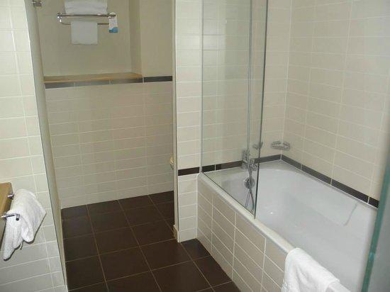 Radisson Blu Hotel, Toulouse Airport: salle de bain