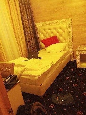 Gallery Avenue Hotel : Einzelbett