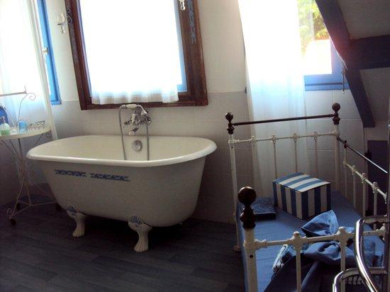 Le Prieure Boutefol: Salle de bain