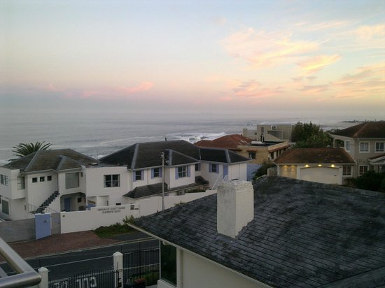 3 On Camps Bay Boutique Hotel : Breakfast View