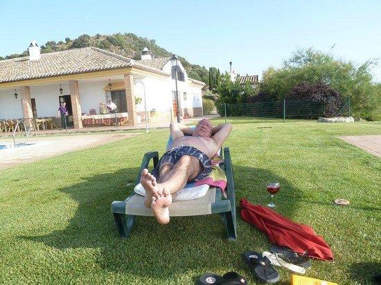 Hotel Carlos Astorga : en la piscina