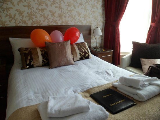 Gabrielle's Hotel: Our lovely room x