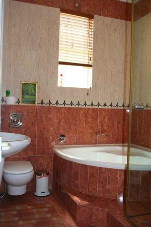 The Sandringham Bed & Breakfast: En-suited bathroom
