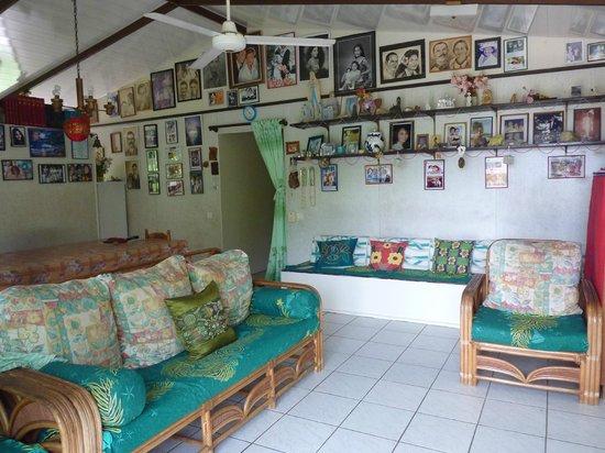 Pension Chez Rosina : Le salon/salle a manger