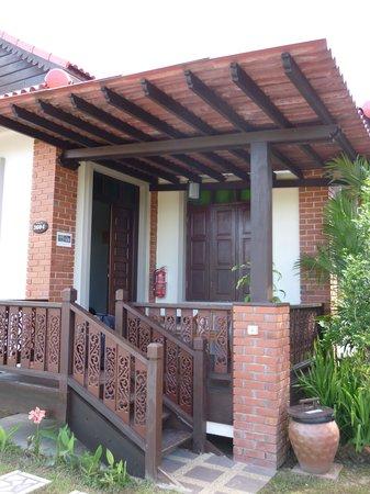 Jasmine Villa Tropical Garden: Veranda